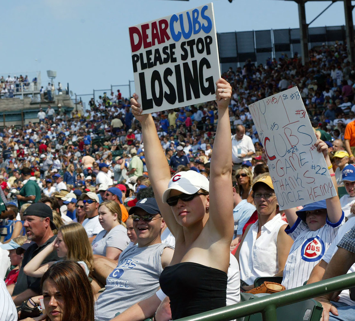2005-Chicago-Cubs-fan-sign-GettyImages-110343493.jpg