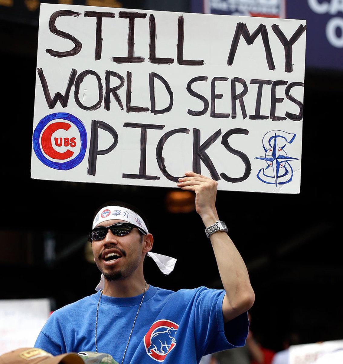 2010-Chicago-Cubs-fan-sign-AP_100624135719.jpg