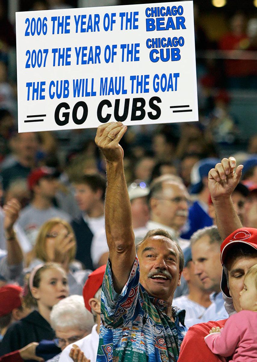 2007-Chicago-Cubs-fan-sign-AP_070928031809.jpg