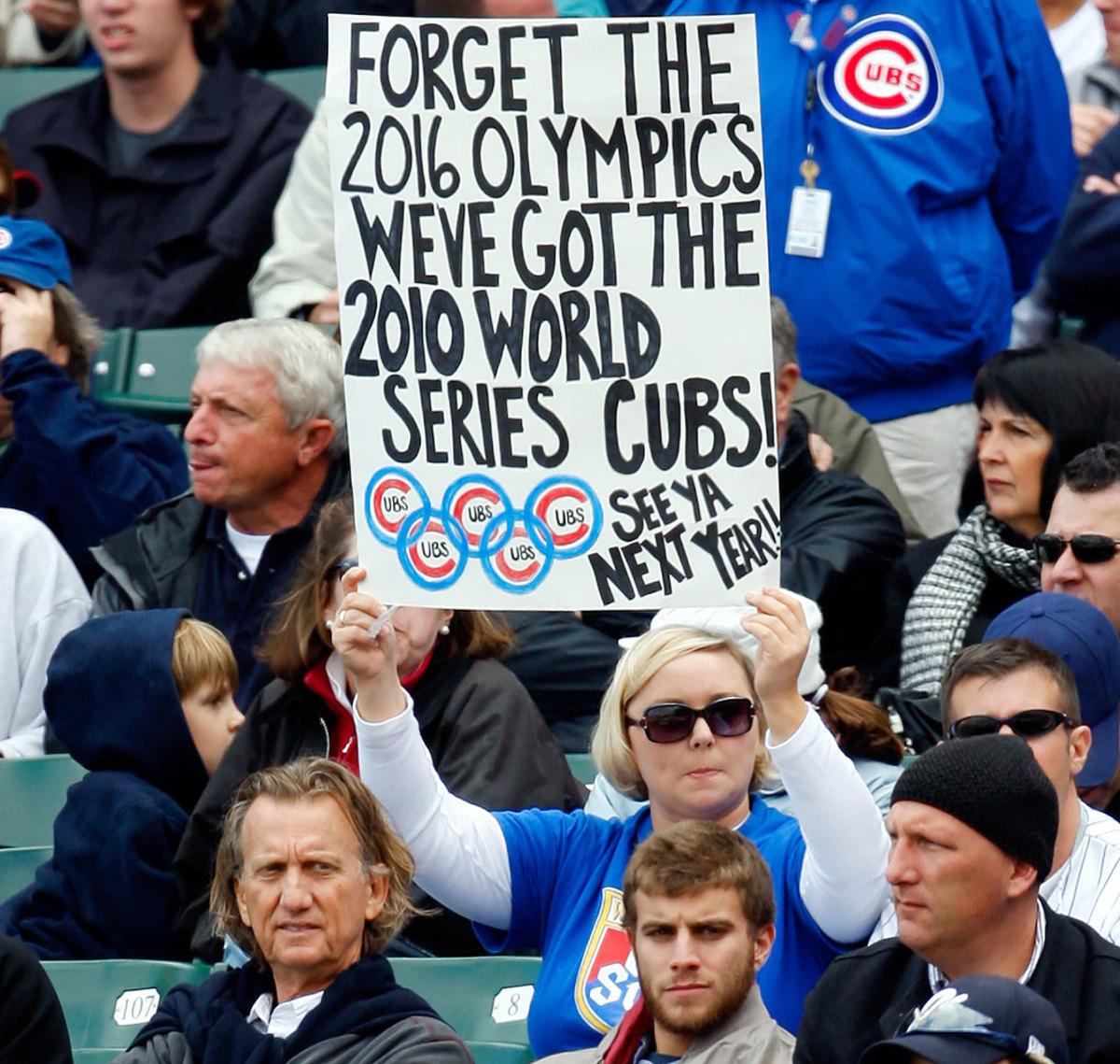 2009-Chicago-Cubs-fan-sign-AP_091003021978.jpg