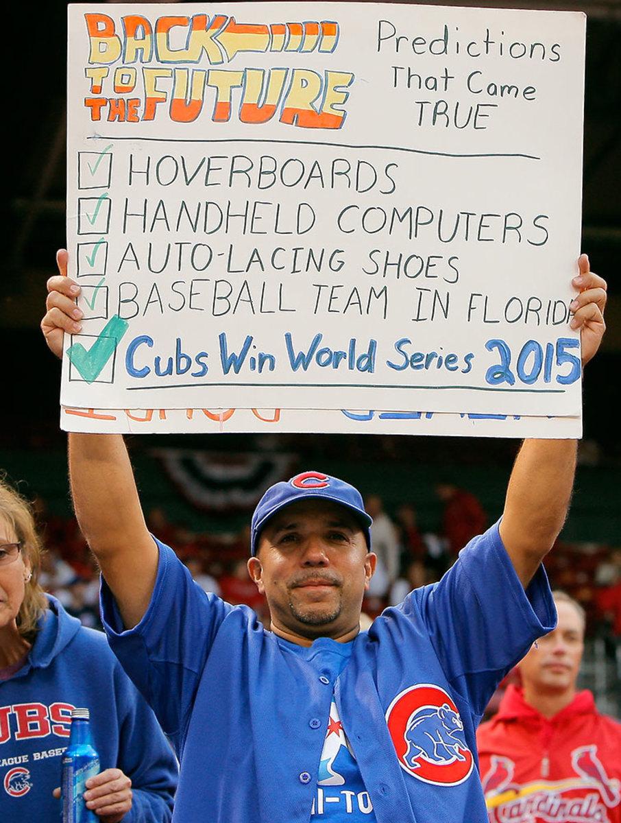 2015-Chicago-Cubs-fan-sign-Chicago-Cubs-fan-sign-CAX15100912_NLDS_GM1_Cubs_at_Cardinals.jpg