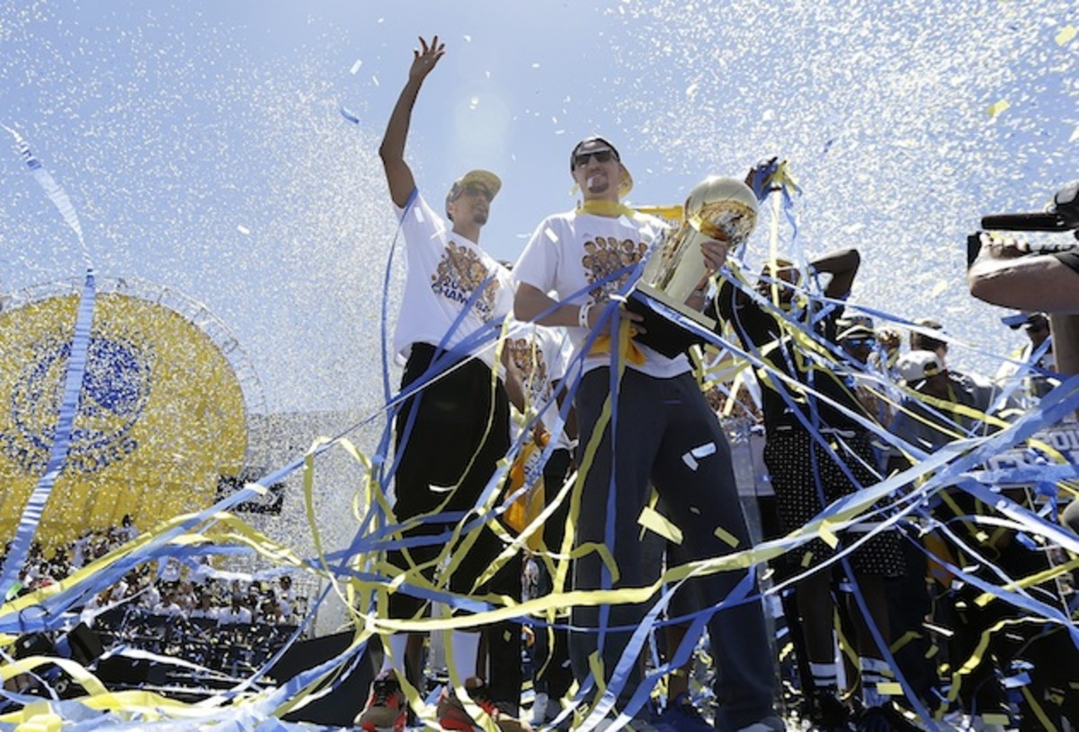 golden-state-warriors-playing-with-chip-on-shoulder-championship-parade.jpg