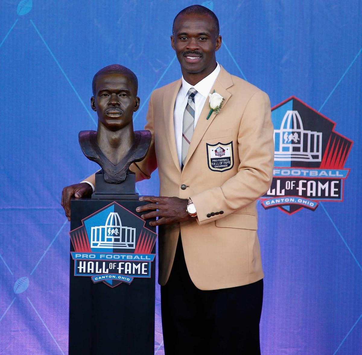 Marvin-Harrison-Hall-of-fame-bust.jpg