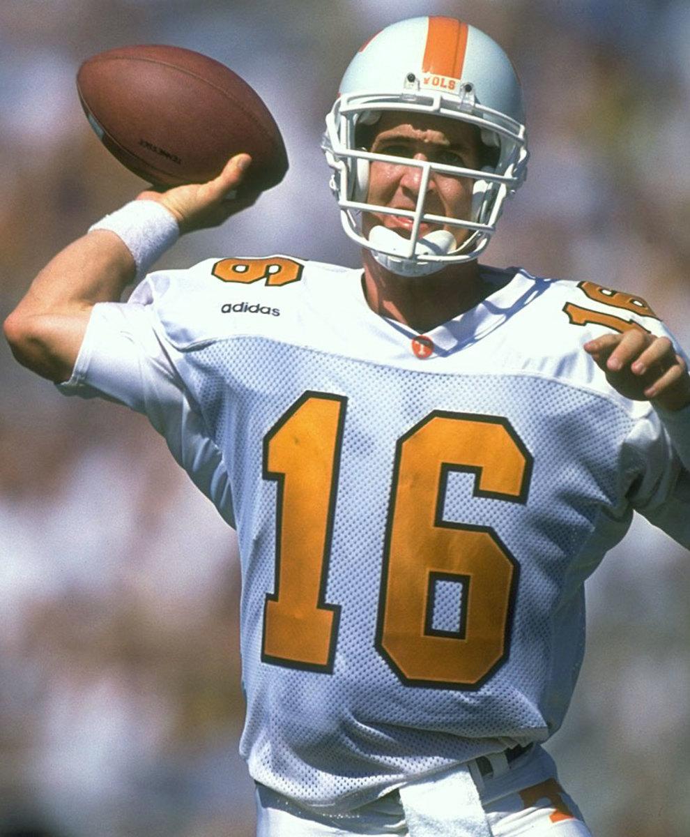 16-Peyton-Manning-05699666.jpg