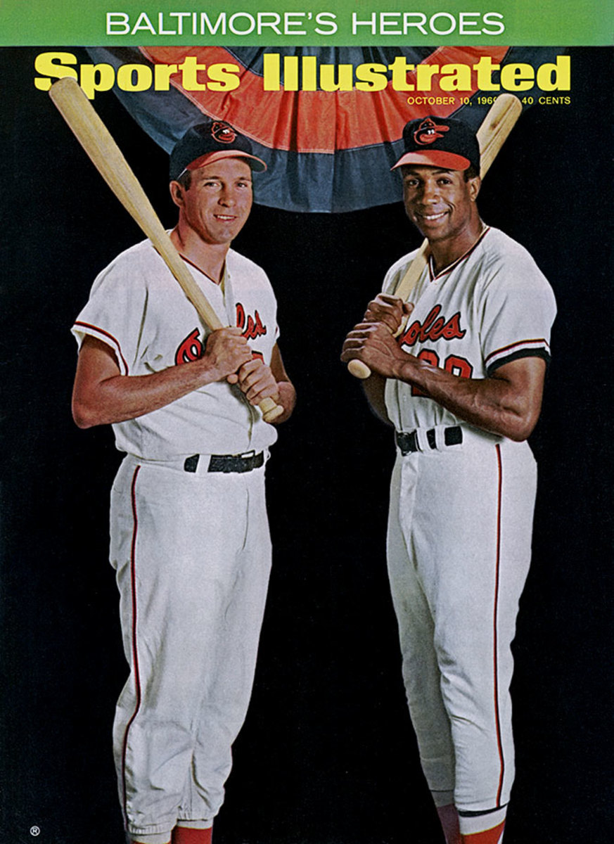 1966-0826-Frank-Robinson-Brooks-Robinson-006272624.jpg