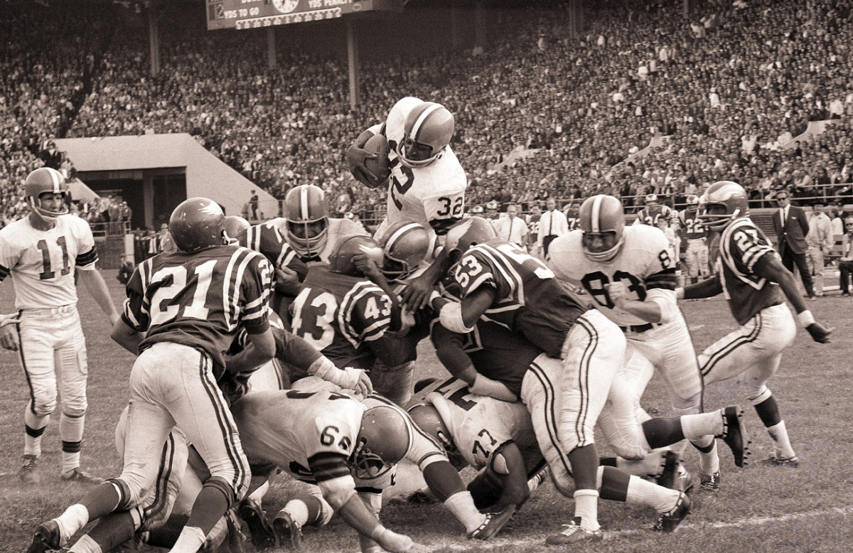 Jim Brown Football >> Why Jim Brown Remains The Standard Of Nfl Greatness Sports