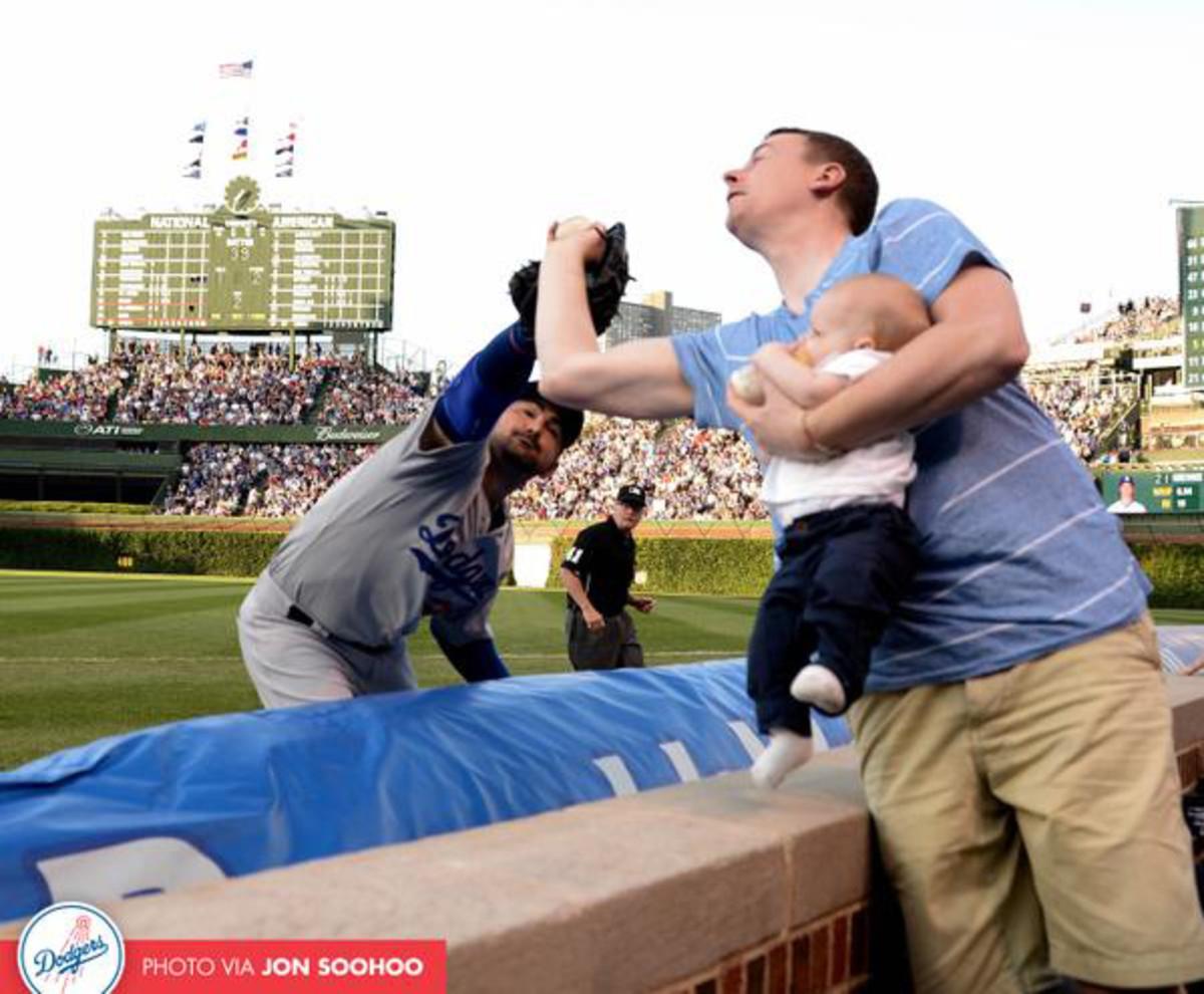cubs-fan-catch.jpg