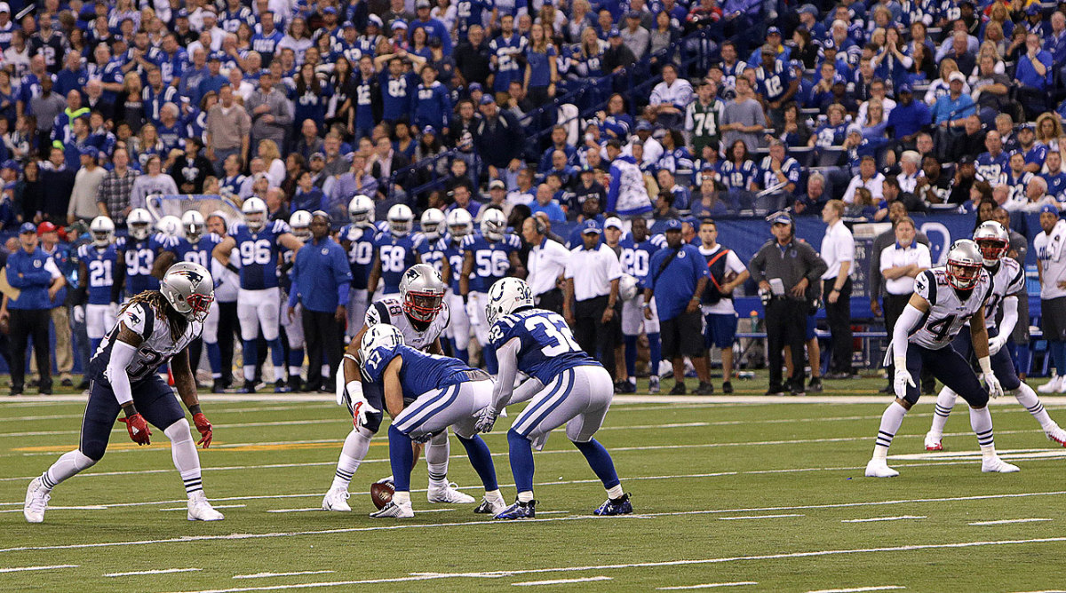 The Colts' unusual fourth-down alignment did not fool the Patriots.