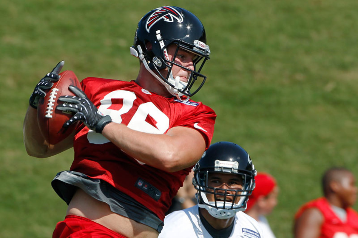 Nissley, who caught passes from Blake Bortles at Central Florida and had a stint with the Falcons, is the latest to try to make the jump to NASCAR. (John Bazemore/AP)