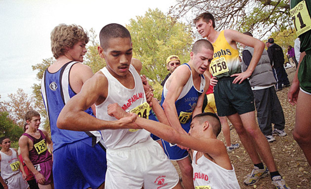 Javi came to a teammate's aid in the '03 state final.