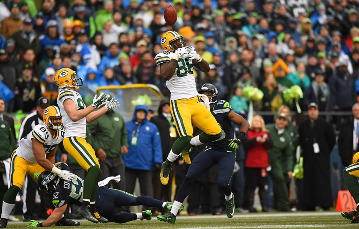 Brandon Bostick's flubbed catch of the onside kick opened the door for the Seahawks. (John W. McDonough/Sports Illustrated/The MMQB)