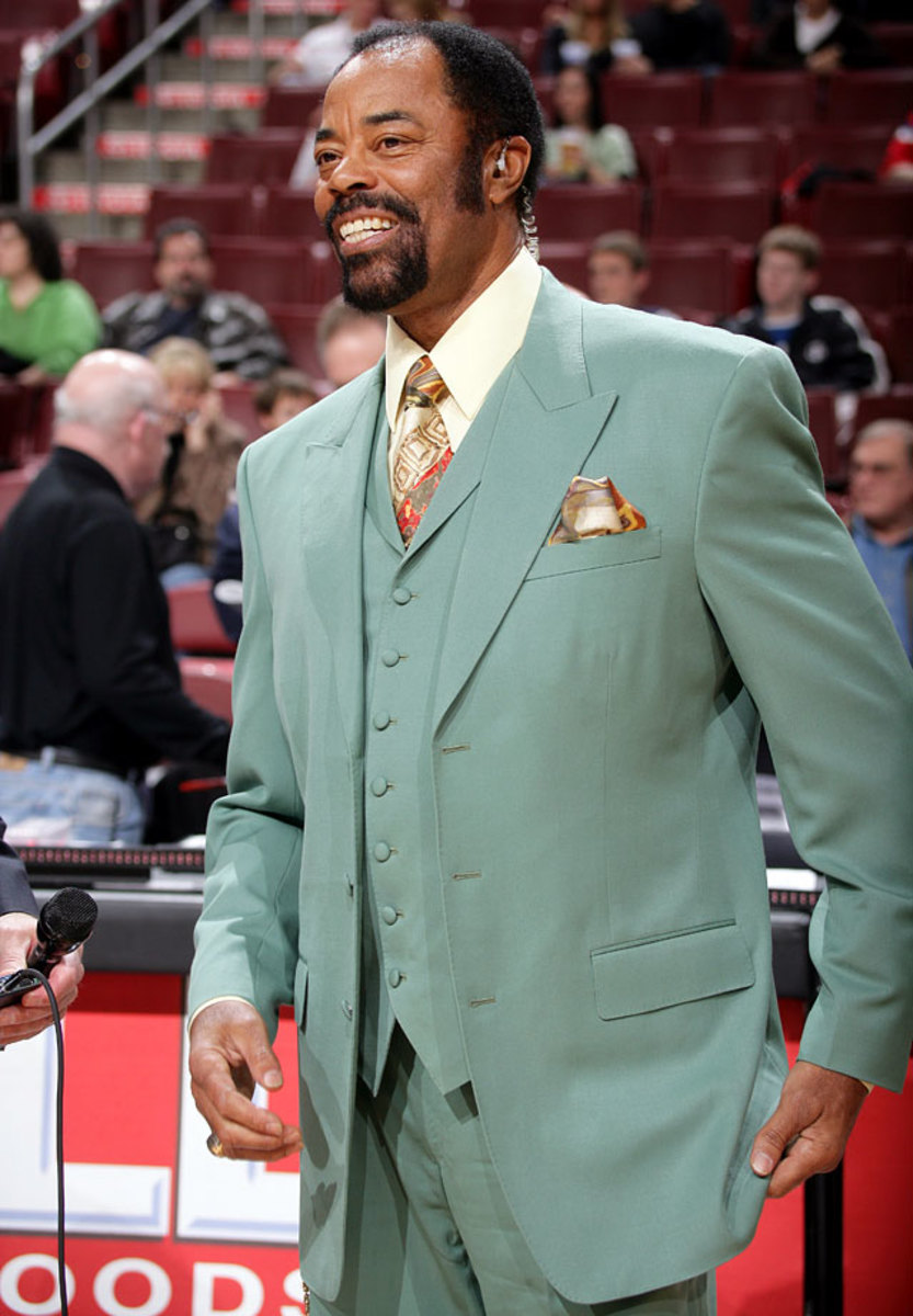 2006-0128-Walt-Clyde-Frazier-suit.jpg