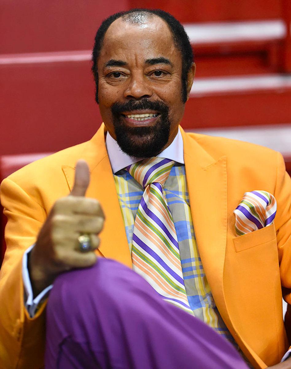 2015-1123-Walt-Clyde-Frazier-suit.jpg