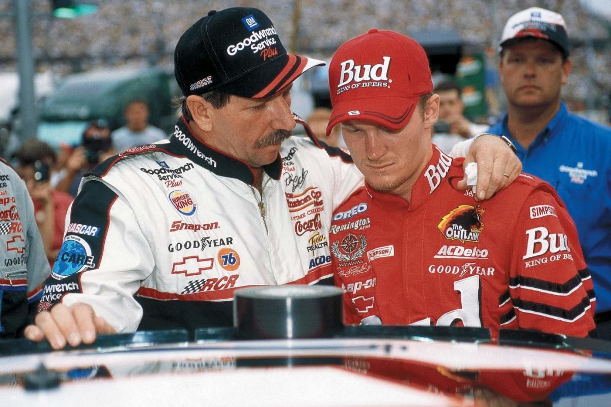 2000-Dale-Earnhardt-Sr-Jr-001226397.jpg