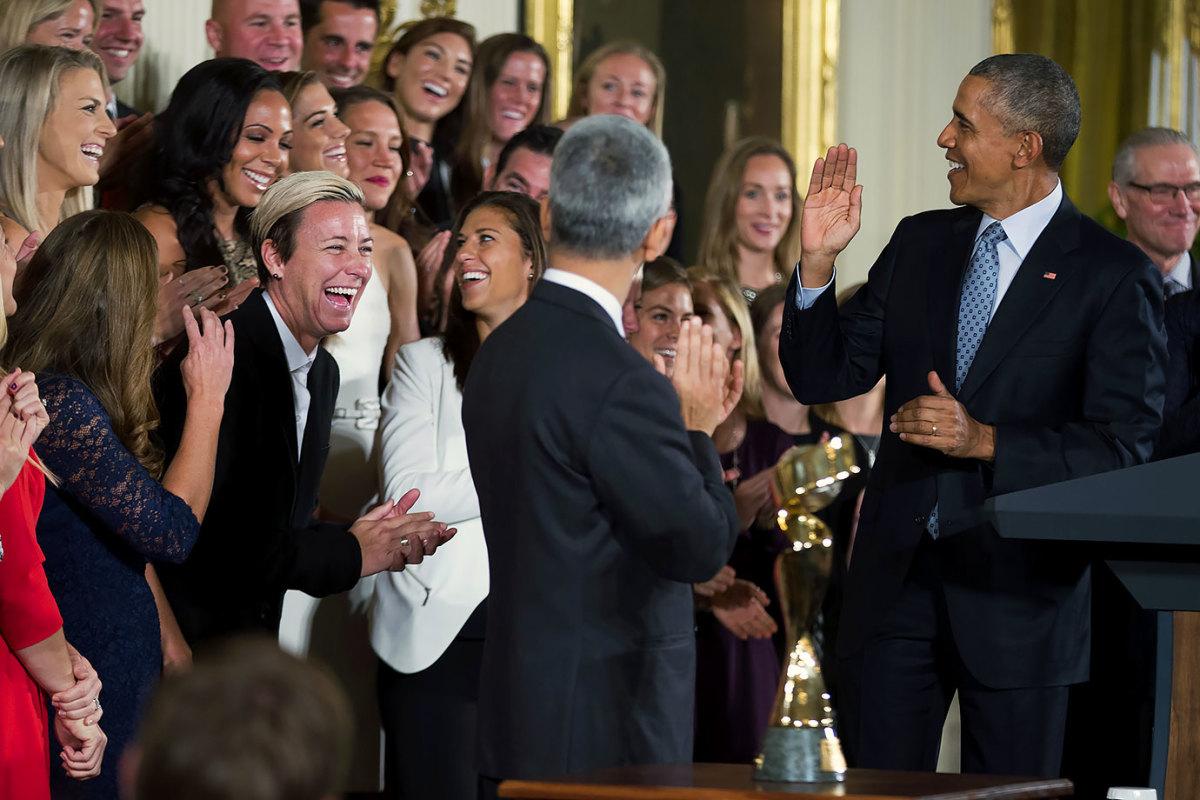 President-Barack-Obama-USWNT-10cb8b2072724aa897ddc27200be17d4-0.jpg