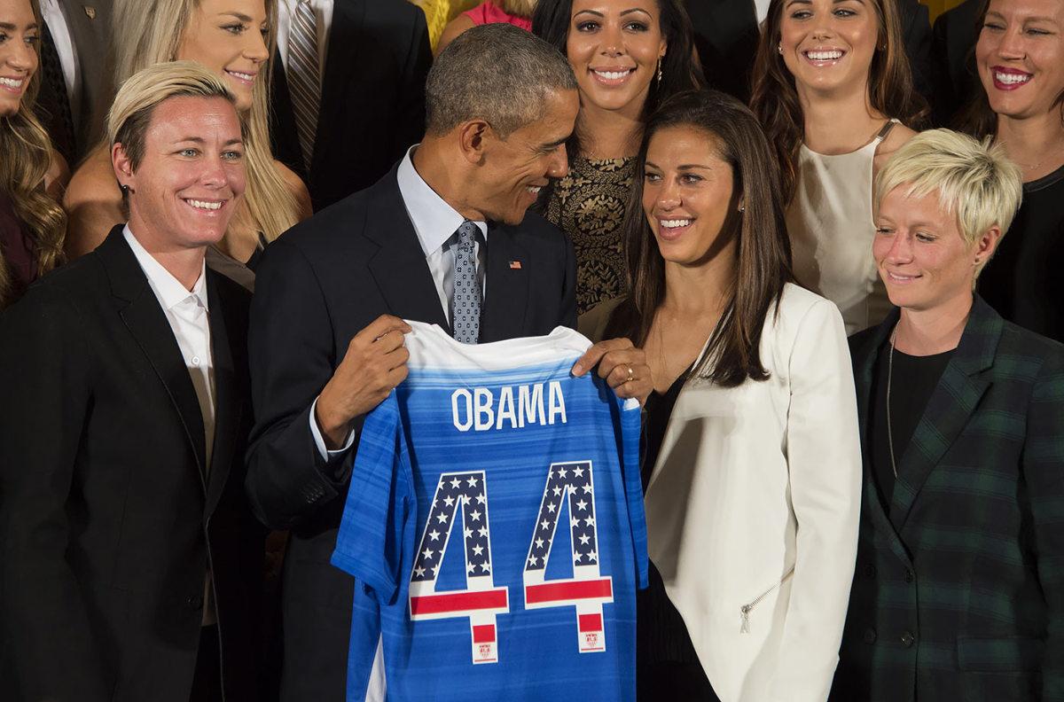 President-Barack-Obama-USWNT-Abby-Wambach-Carli-Lloyd-494481144_master.jpg