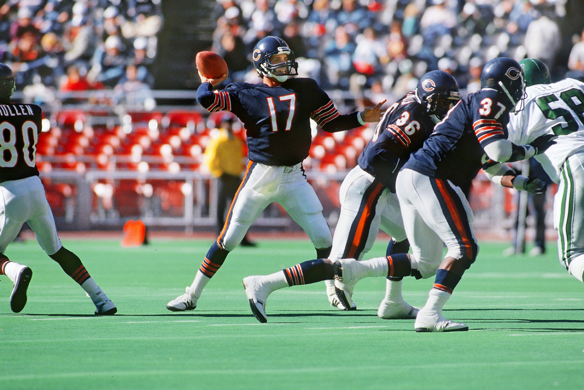 """Payton played just three games for Ditka as """"Spare Bear"""" replacement player during the 1987 strike, but the coach's style sunk in."""