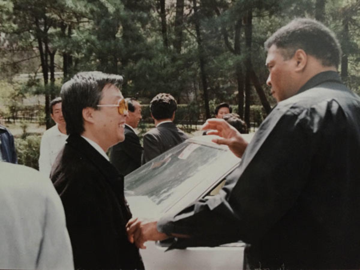 Sonny Onoo and Muhammad Ali