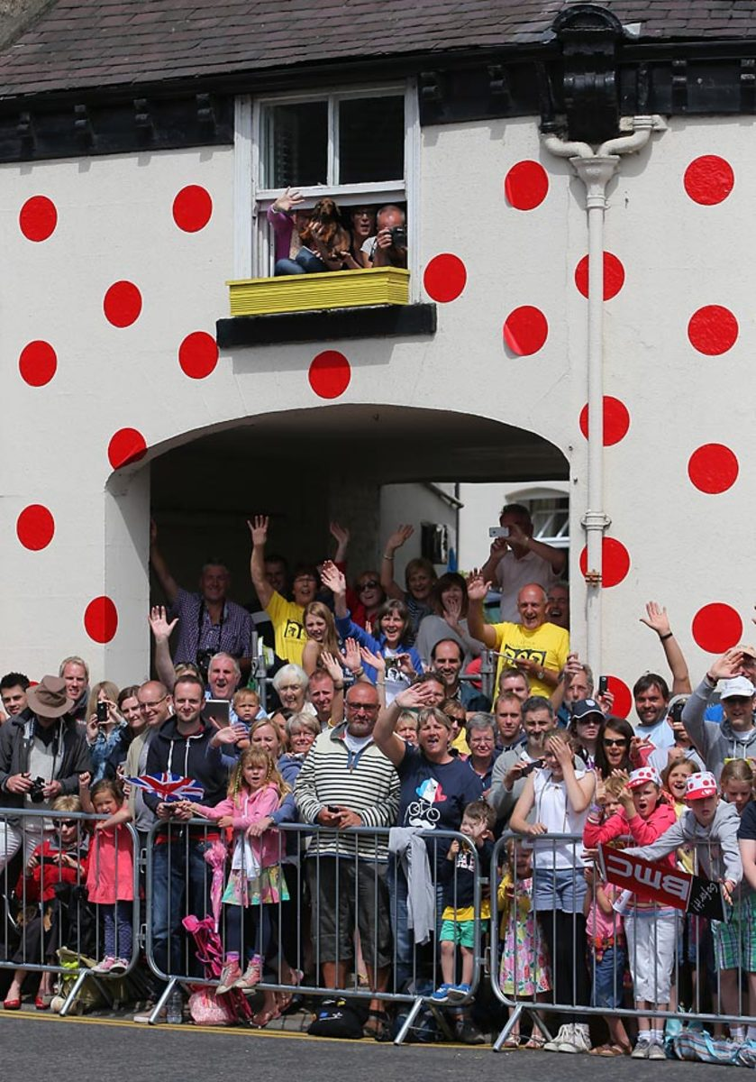 tour-de-france-fans-451850774_10.jpg