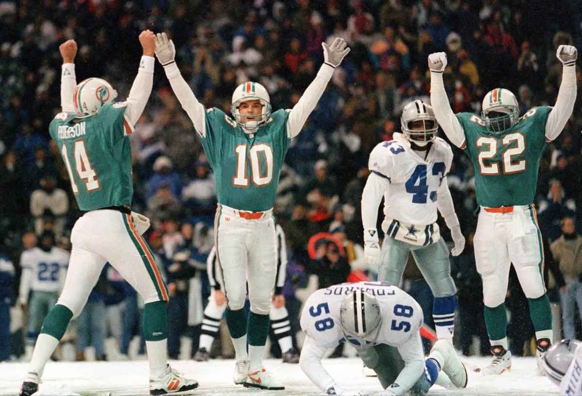 1993-Cowboys-Dolphins-Pete-Stoyanovich-snow.jpg