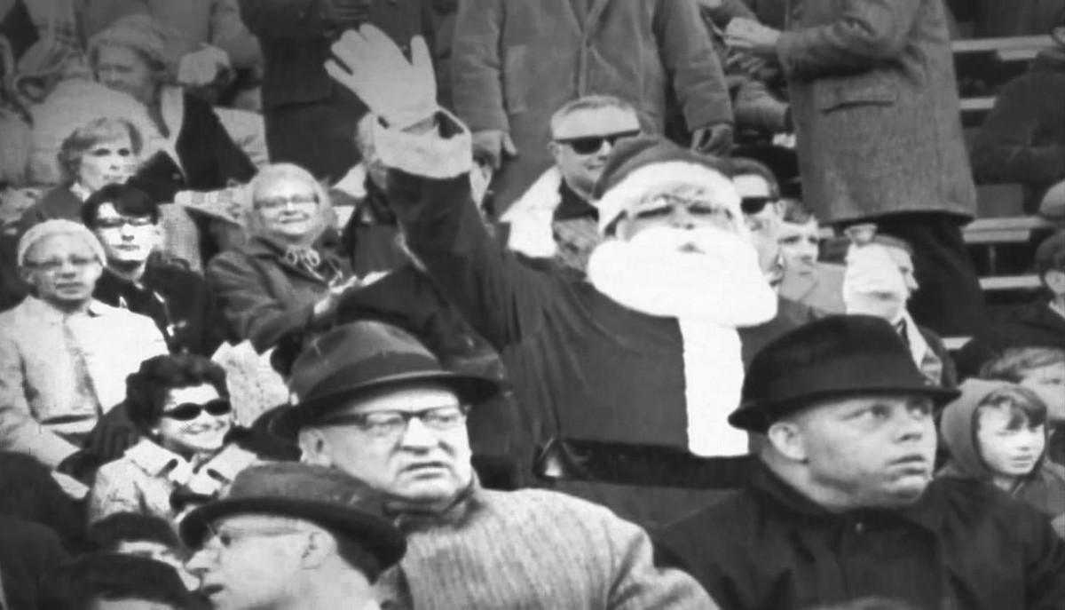 1968-Eagles-Vikings-Santa-Claus-snow.jpg