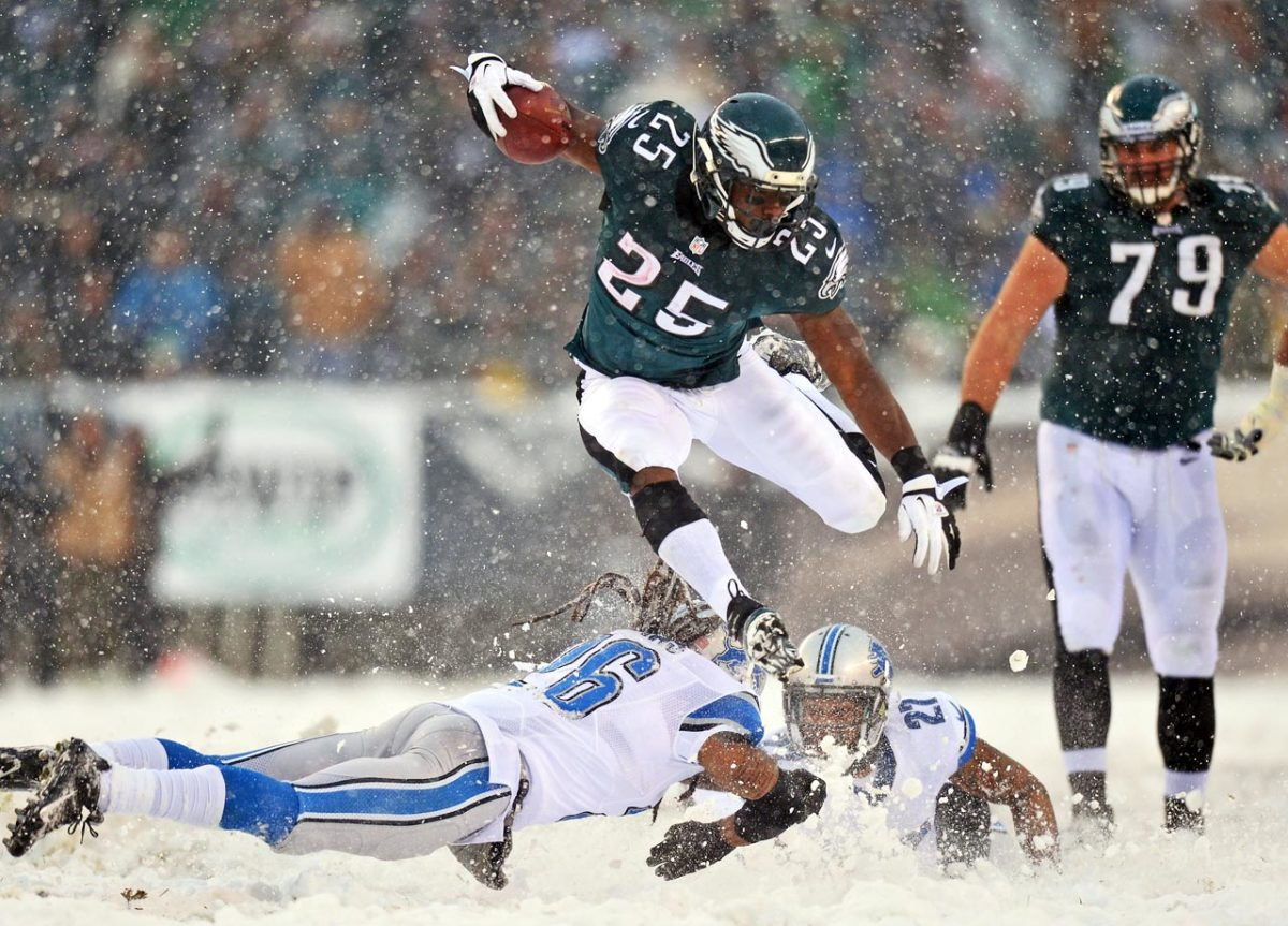 2013-Eagles-Lions-LeSean-McCoy-snow.jpg