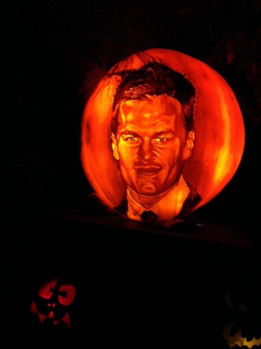 New-England-patriots-tom-brady-pumpkin-image.jpg