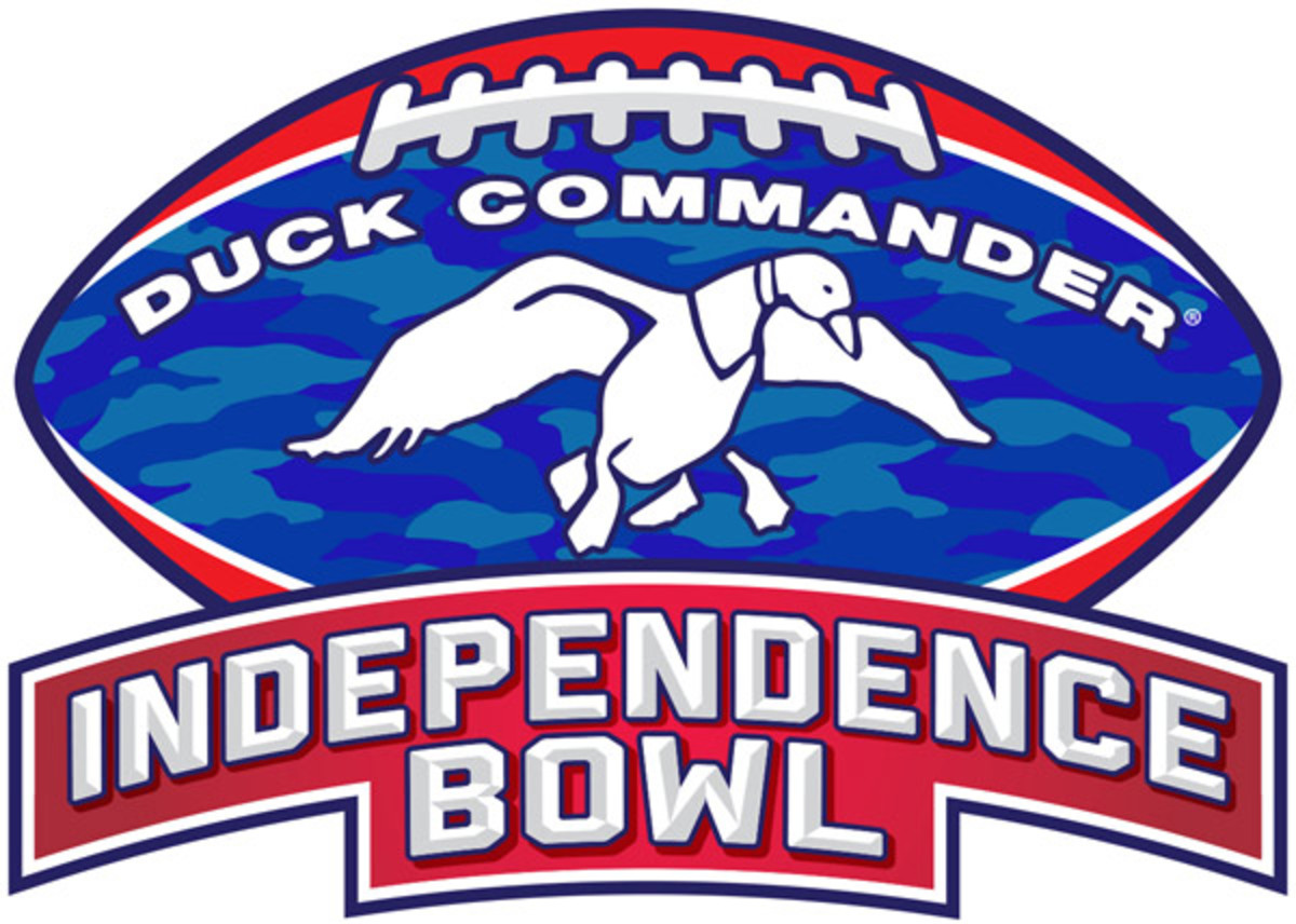 Two months after Phil Robertson's controversial comments on homosexuality, his company is sponsoring a bowl.