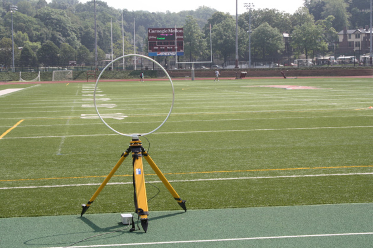 football-tracking-tech-inline.jpg
