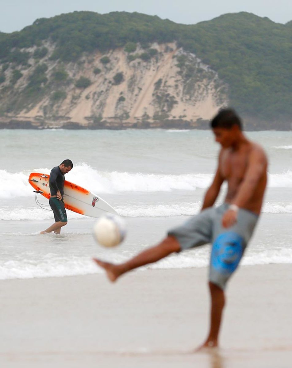 brazil-beach-05bf701352f92585ae-0.jpg