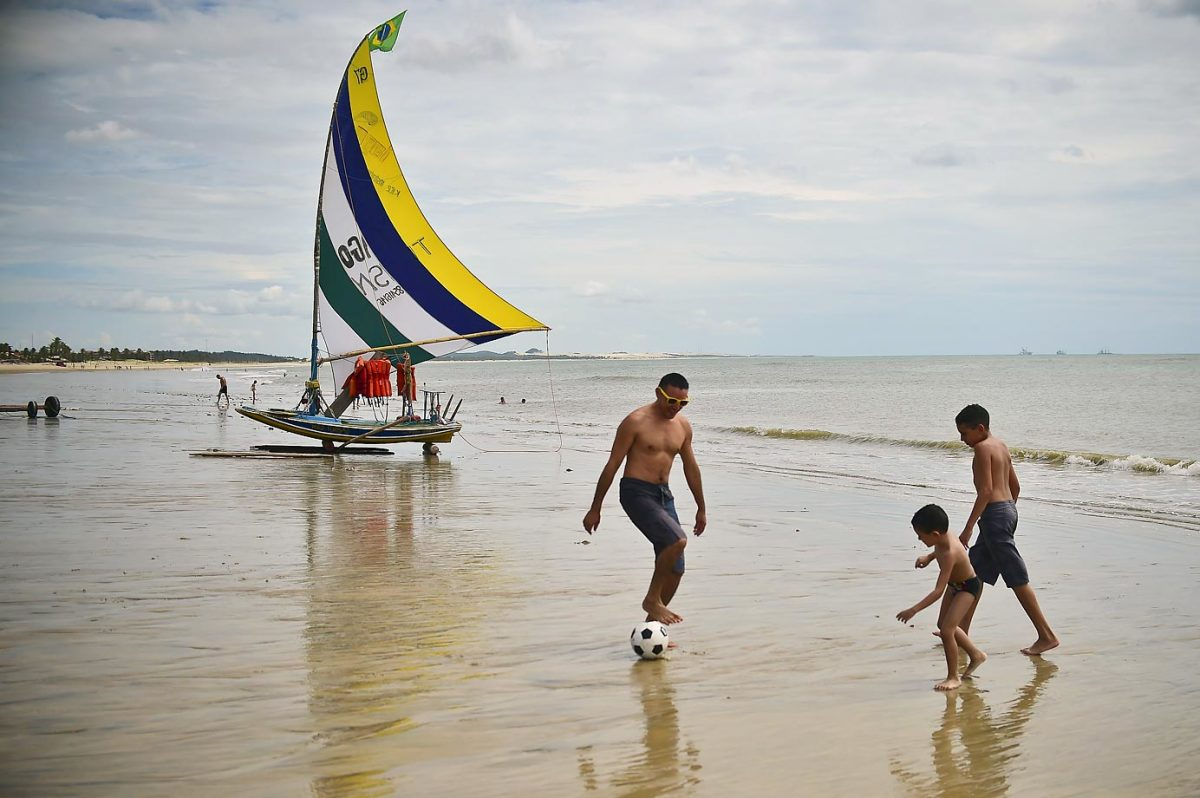 brazil-beach-450560098_10.jpg