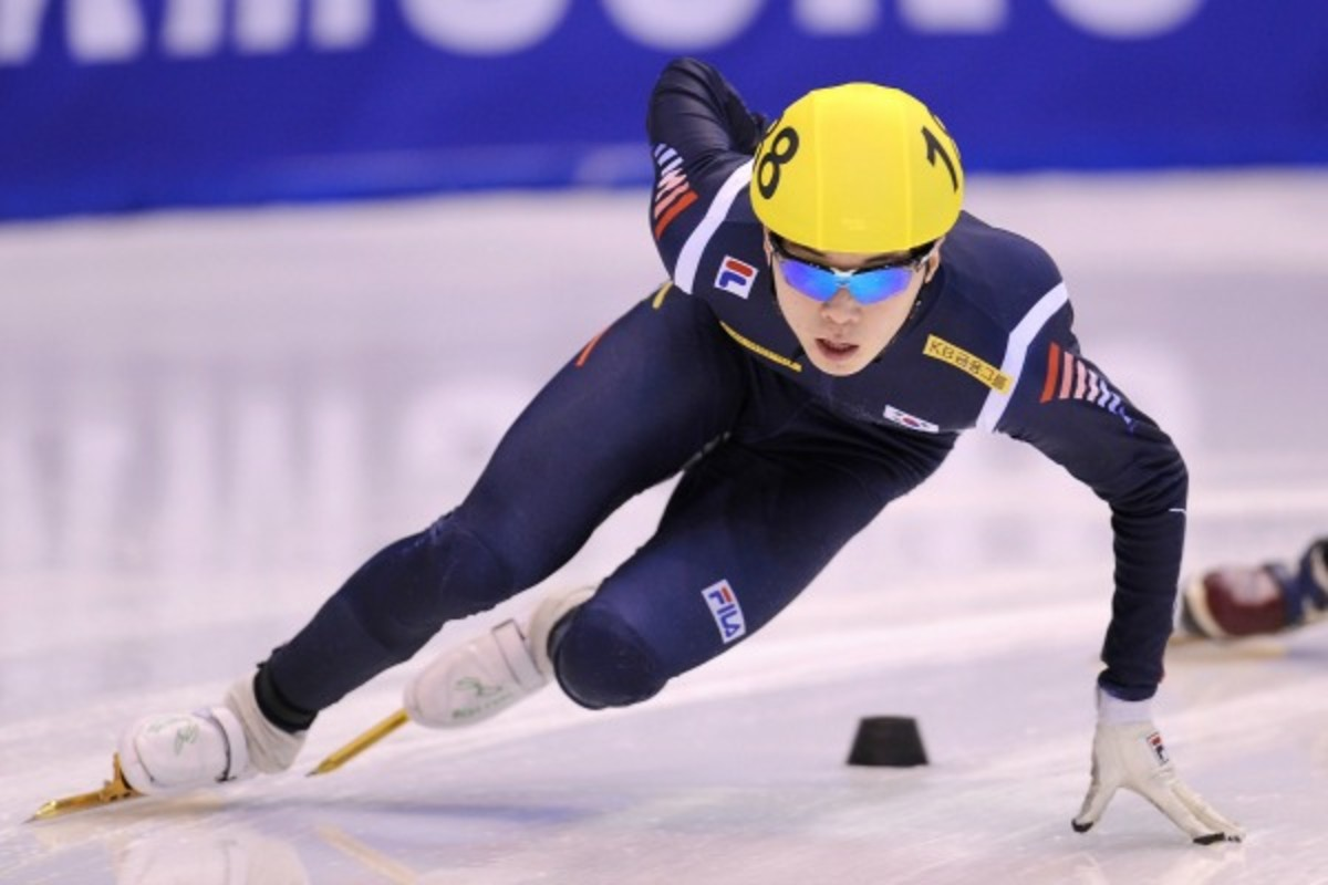 Noh Jin-kyu was ruled out of the Sochi Games after fracturing his elbow. (Valerio Pennicino/Getty Images)