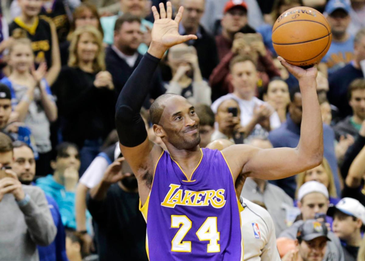Kobe Bryant Lakers passes Jordan 630