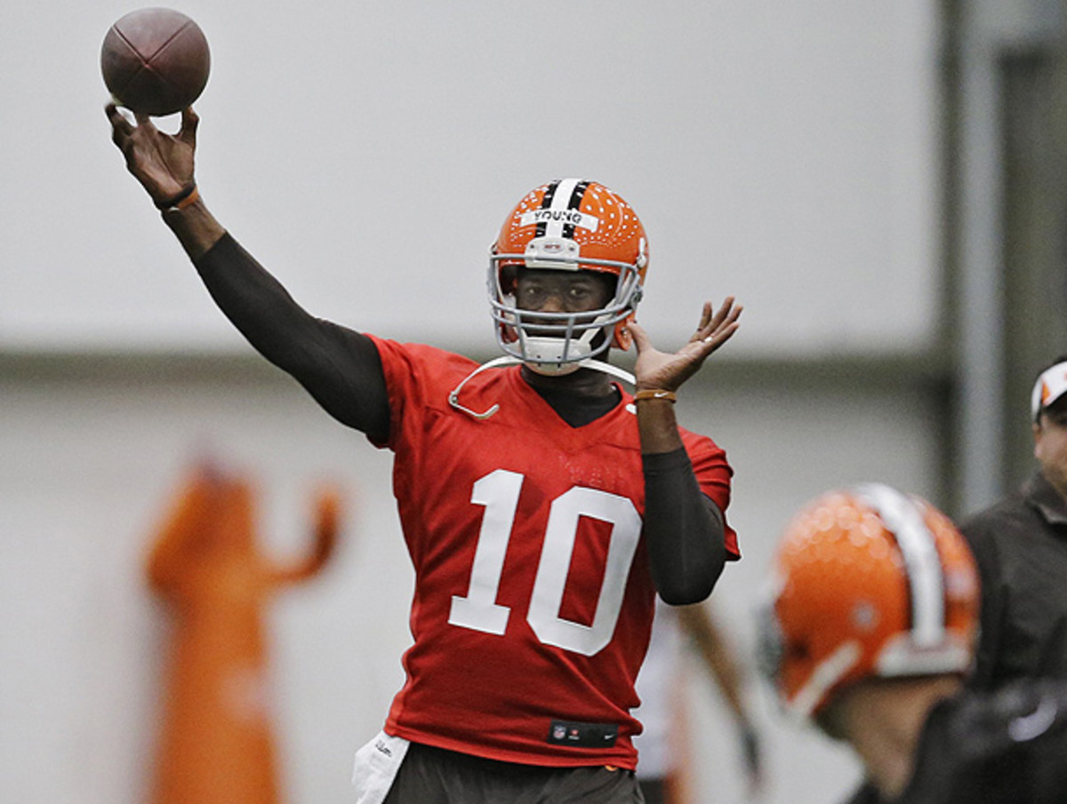 Quarterback Vince Young has impressed in his brief time with the Browns. (Mark Duncan/AP)