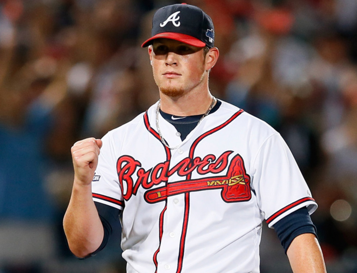 Craig Kimbrel's new deal with the Braves keeps him in Atlanta through 2017 with a 2018 option.