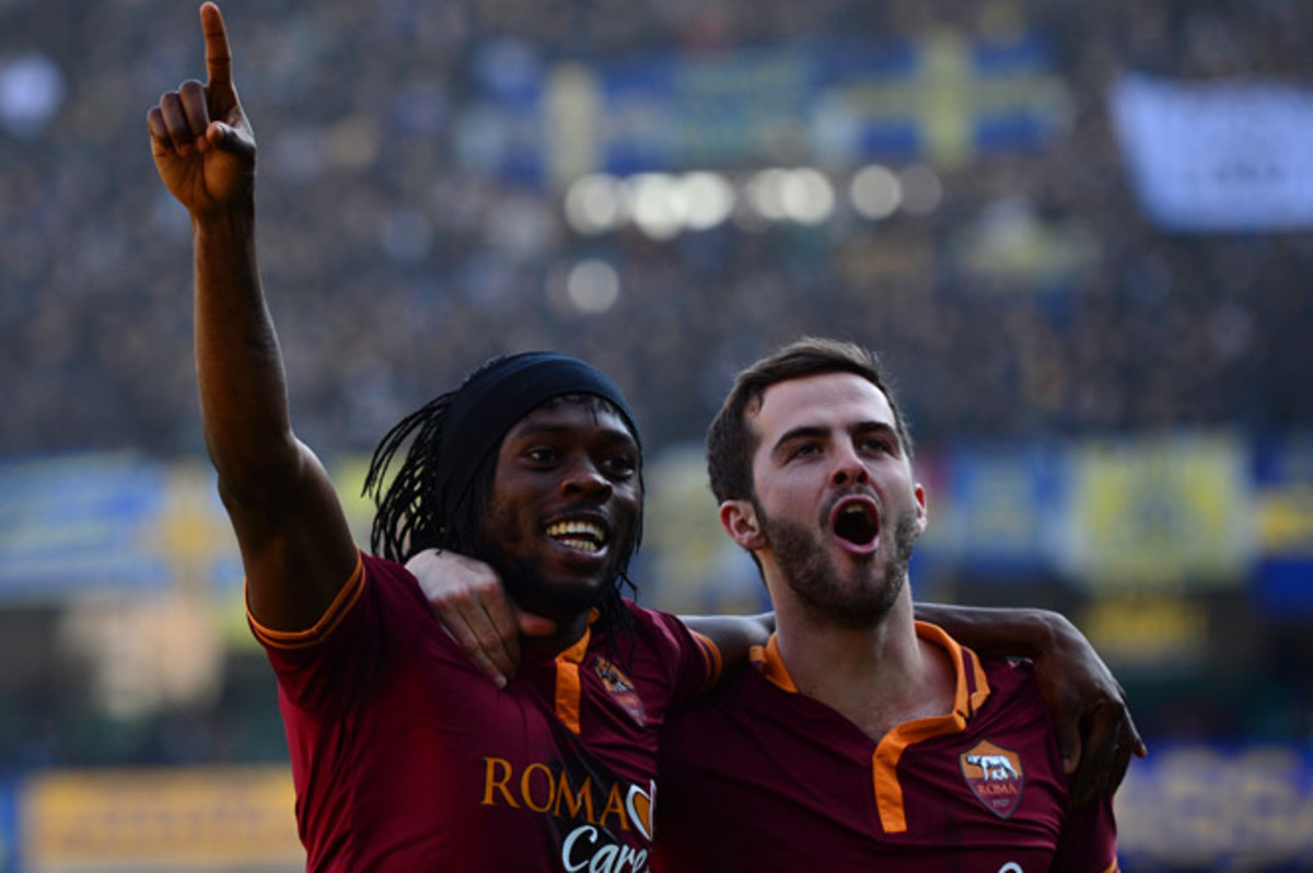 Roma's Gervinho set up one goal and scored another in Roma's 3-1 win over Hellas Verona.