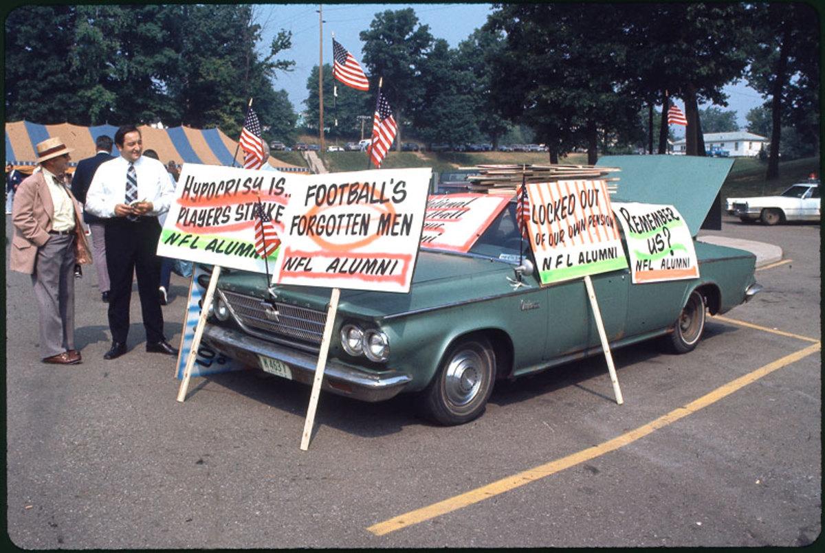 players-strike-1974-alumni-car-ji.jpg
