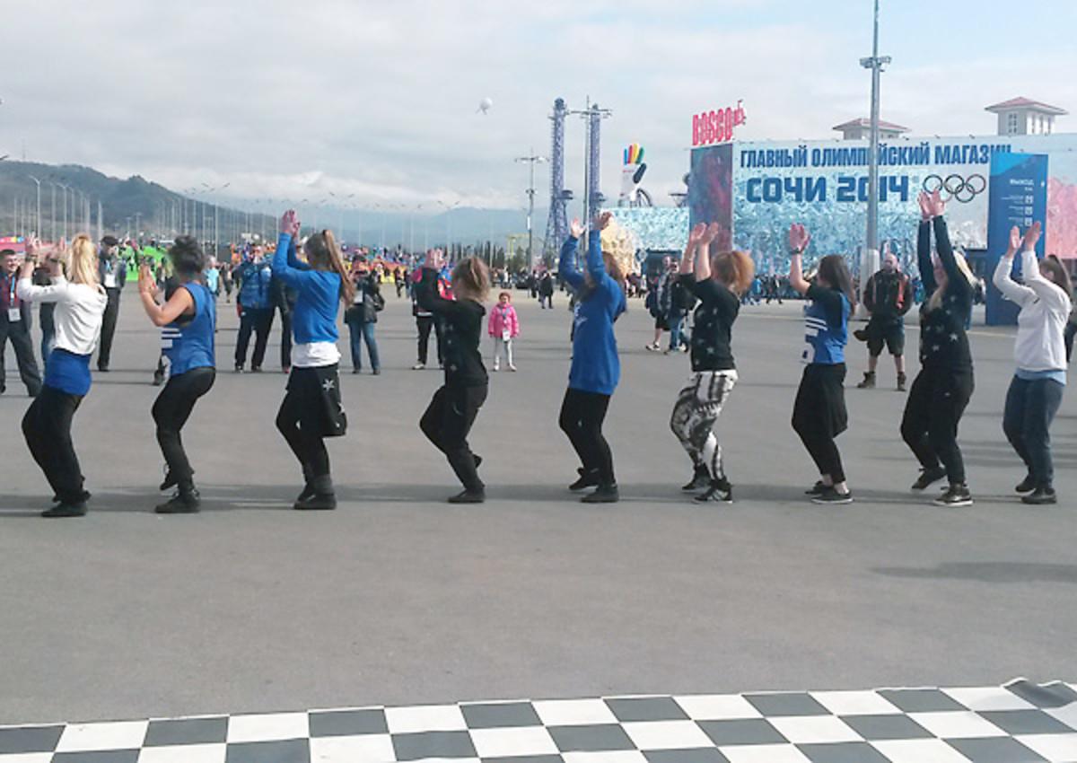 line-dancing-sochi-olympic-park.jpg