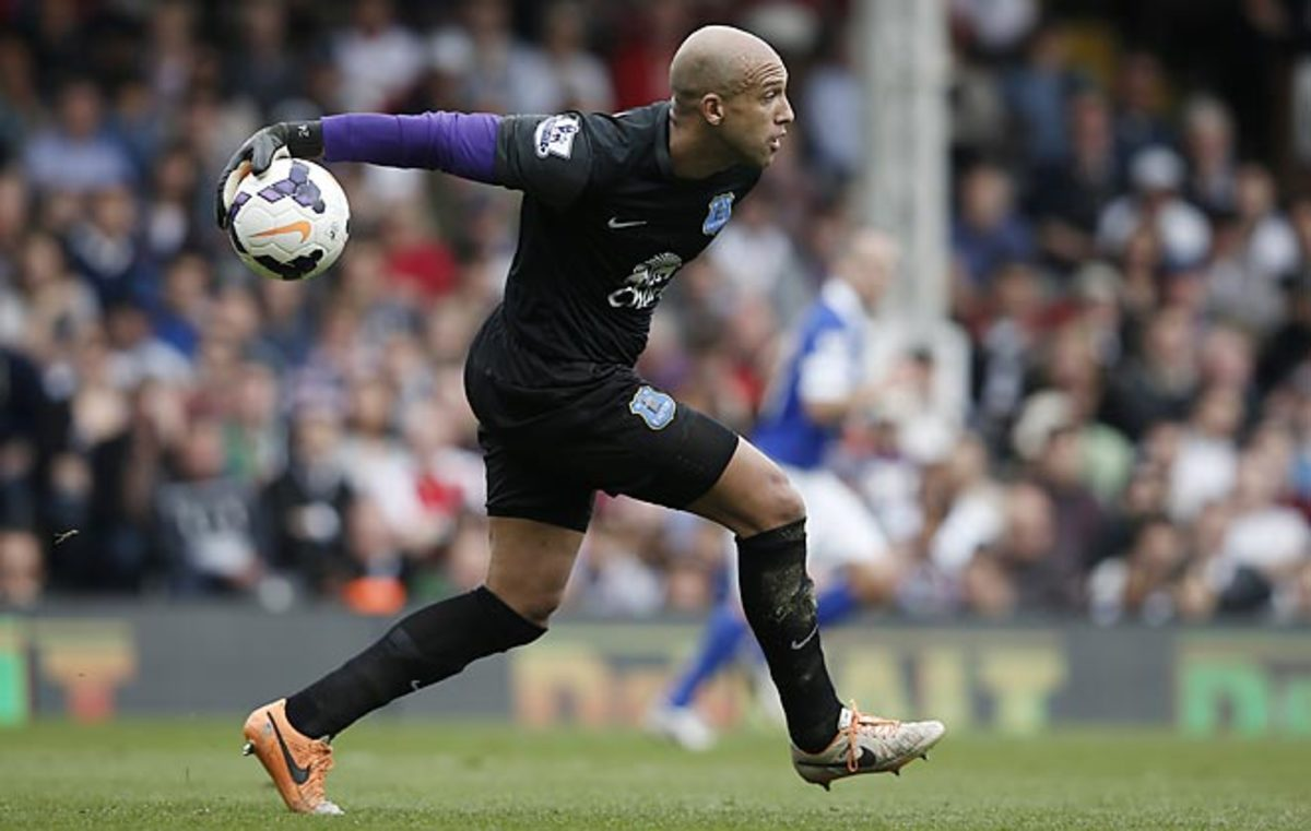 Tim Howard's saves were crucial in Everton's win over Fulham on Sunday.