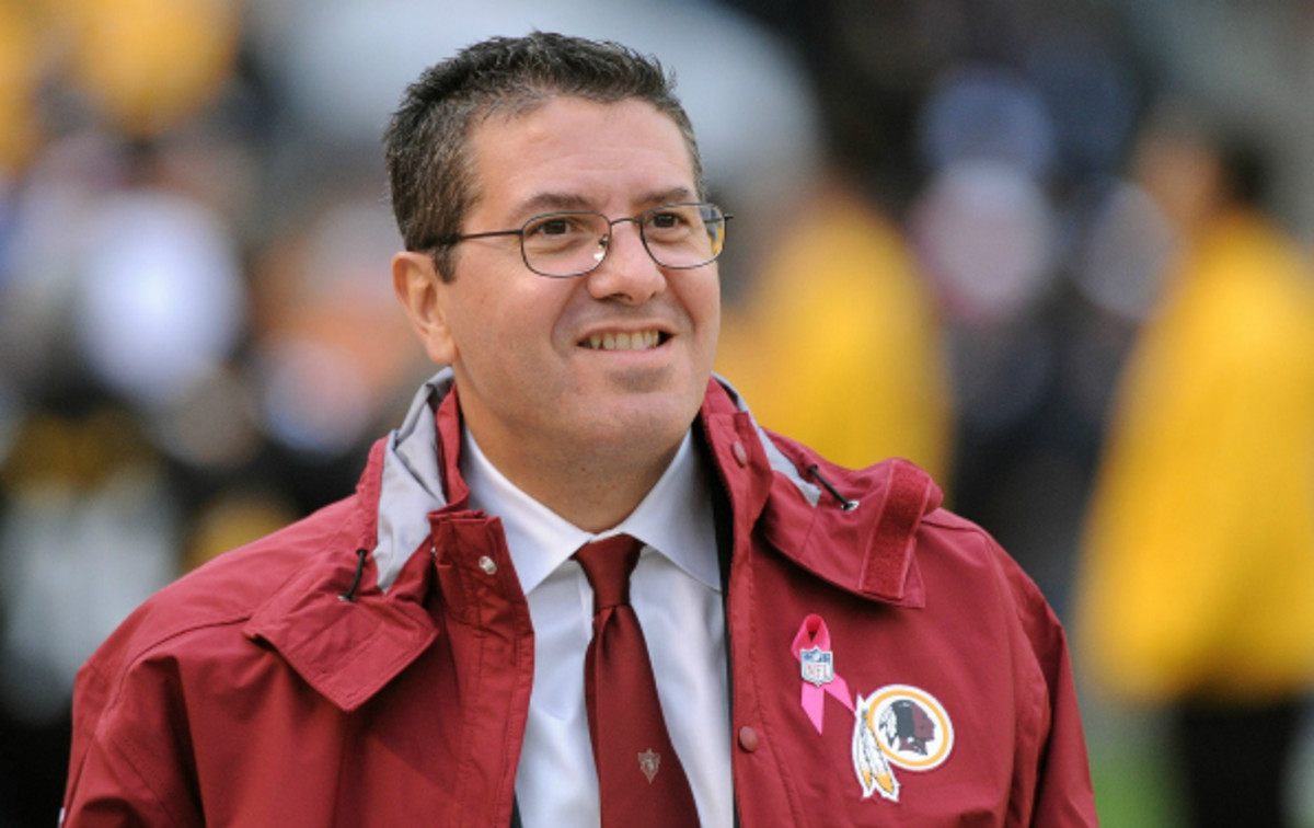 Daniel Snyder did not object to coach Mike Shanahan's decision to bench Robert Griffin. (George Gojkovich/Getty Images)
