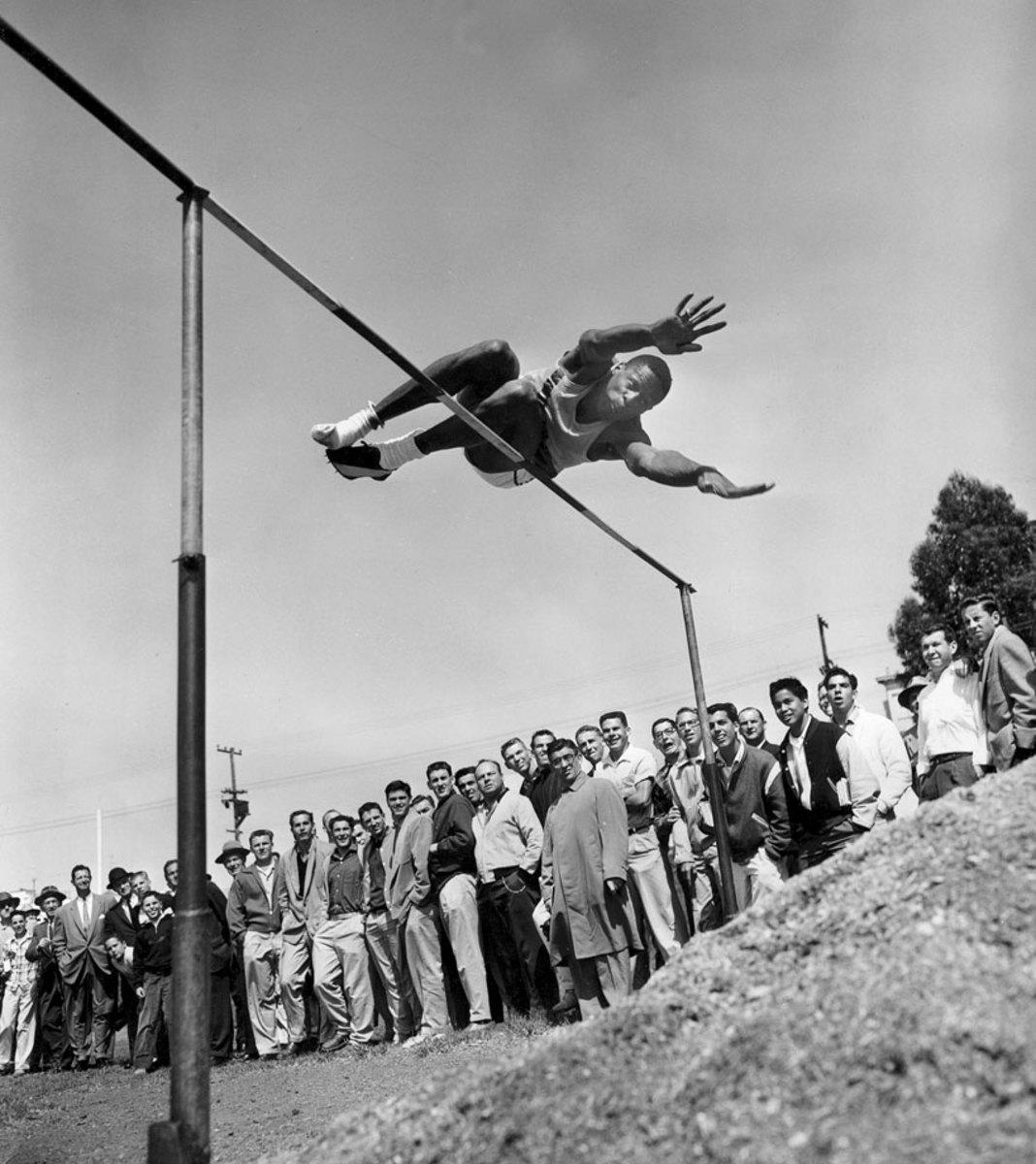 1956-0601-Bill-Russell.jpg