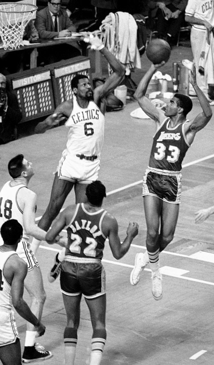 1968-0424-Bill-Russell-Glen-Hawkins.jpg