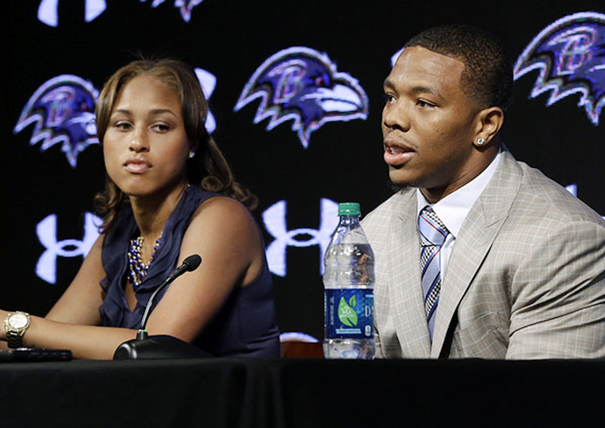 Ray Rice issues public apology in press conference met with social media backlash