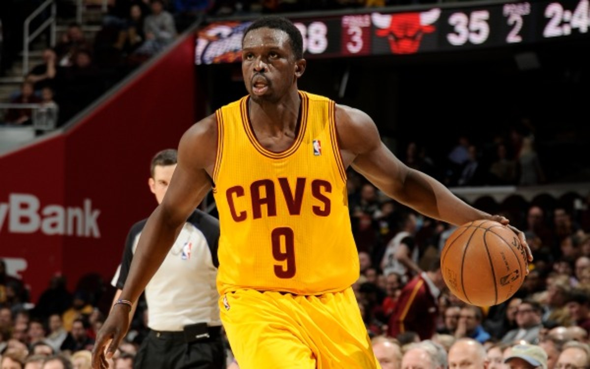 The Cleveland Cavaliers are 3-4 with Luol Deng in the lineup.  (David Liam Kyle/NBAE via Getty Images)