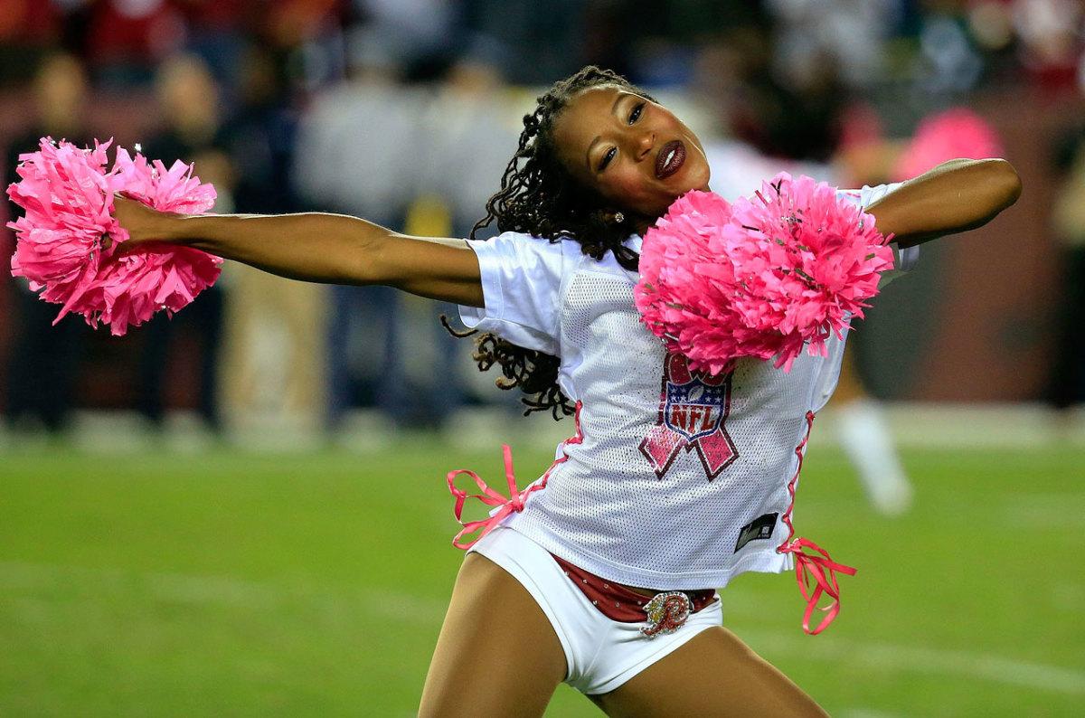 Washington-Redskins-cheerleader-456766140.jpg