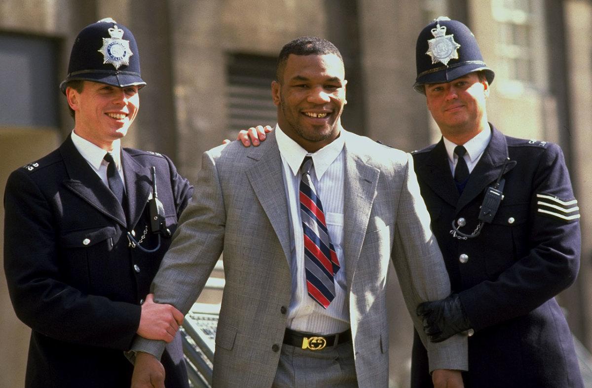 1988-mike-tyson-london-police.jpg