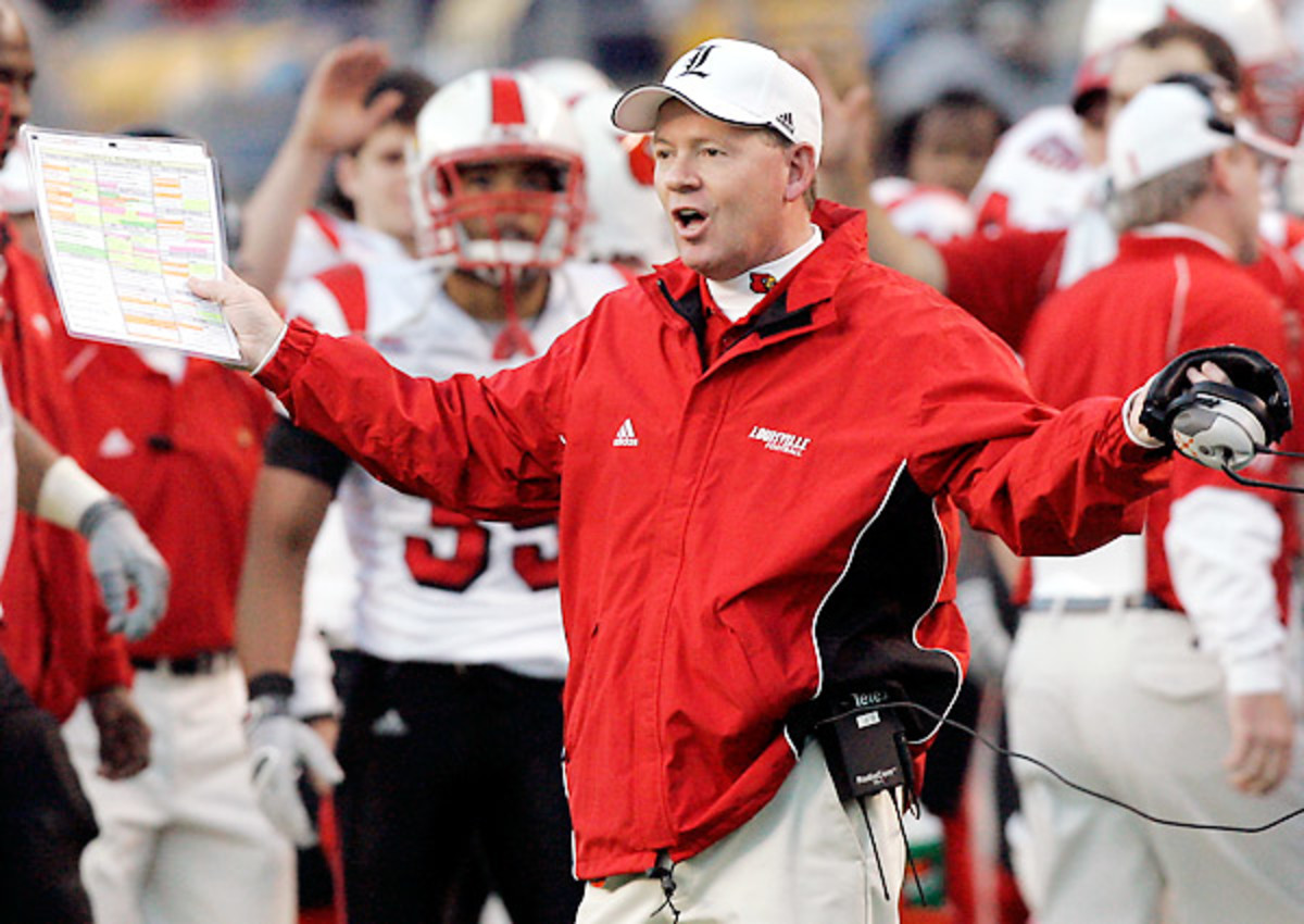 Bobby Petrino ditched Louisville once in 2006. Would he do it again?