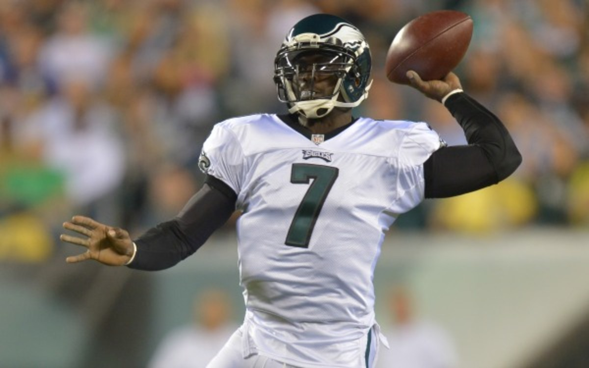 Michael Vick says he won't play Sunday against the Cowboys. (Drew Hallowell/Philadelphia Eagles/Getty Images)