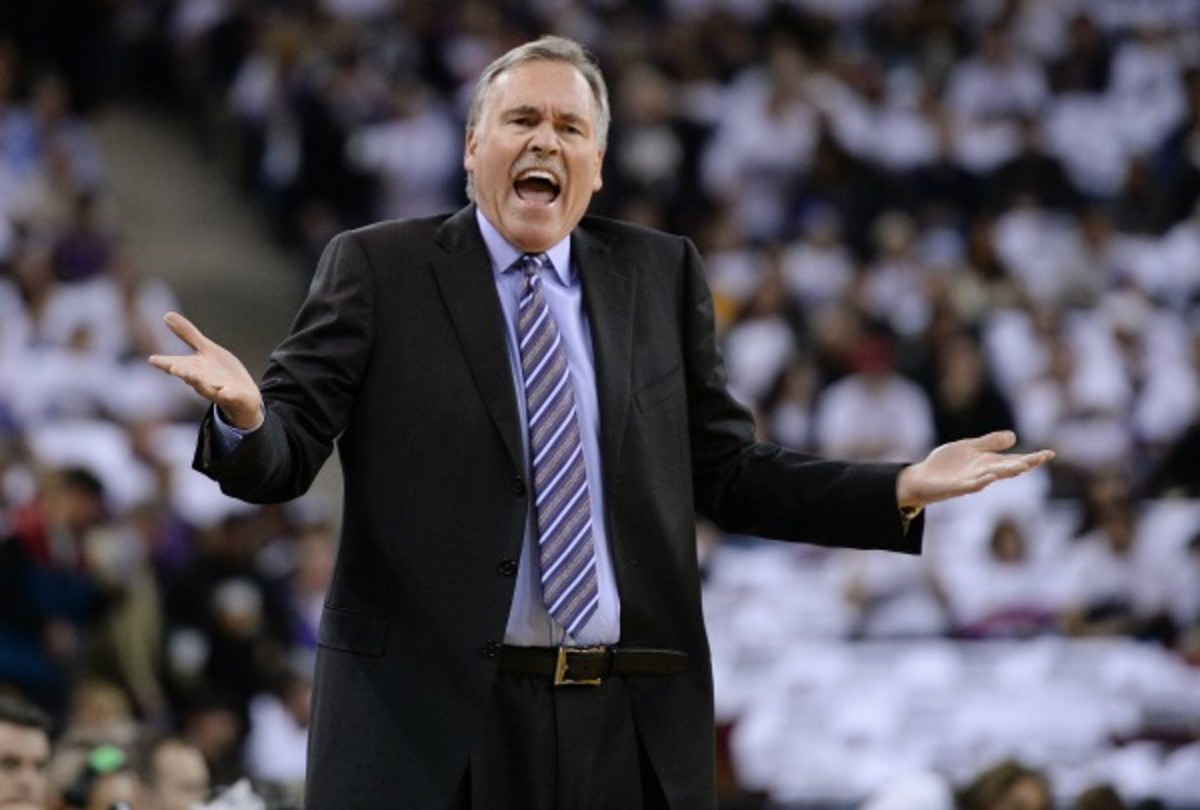 Mike D'Antoni said the Lakers will keep fighting despite several key injuries. (Thearon W. Henderson/Getty Images)