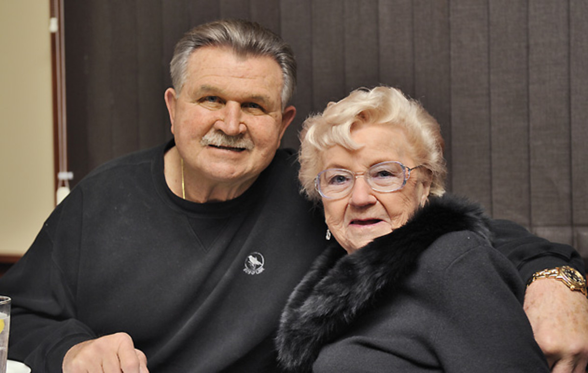 Mike Ditka and his mother Charlotte